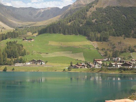 Senales, Italia: paesino sul lago