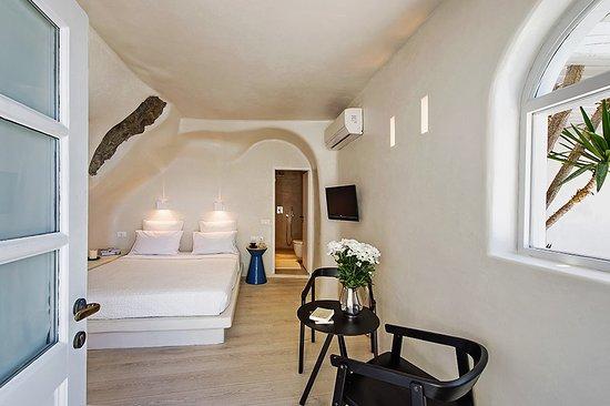 Porto Fira Suites: Suites