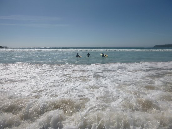 Broulee, Australia: Learning to surf