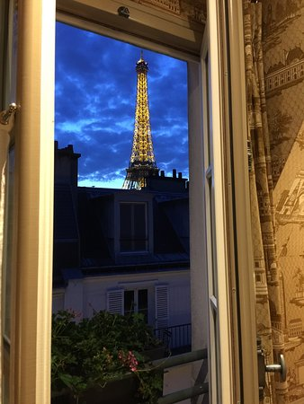 Hotel de Londres Eiffel: View from room 64