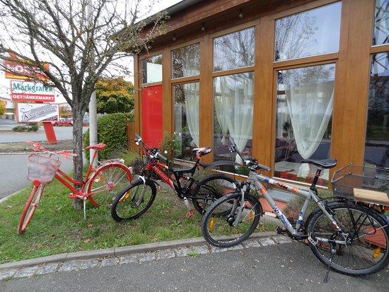 Cadolzburg, ألمانيا: Radler erwünscht
