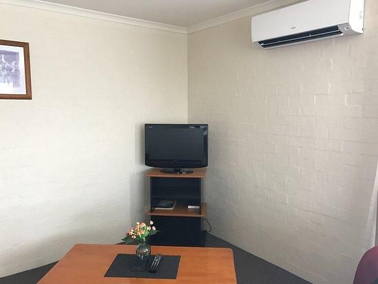 Eden, Australien: Wohnzimmer - Fernsehecke