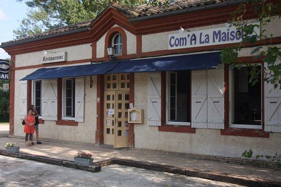 Monclar-de-Quercy, França: façade avant