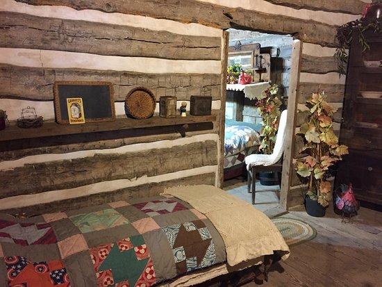 Grapevine, Teksas: The interior of the Torian cabin.