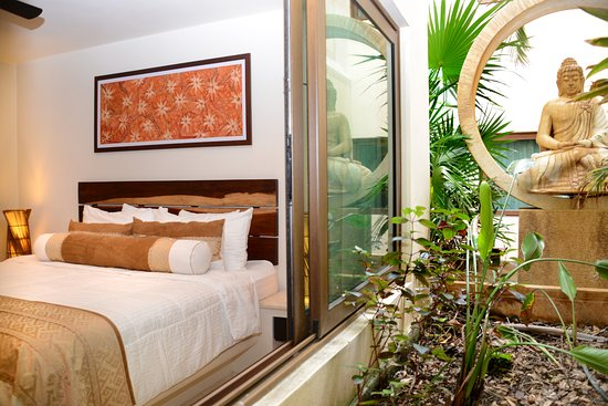 El Taj Oceanfront & Beachside Condos Hotel: Condo 327