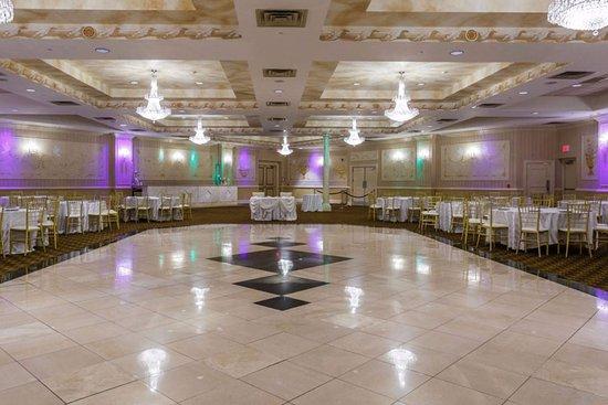 The Wilshire Grand Hotel: Ballroom