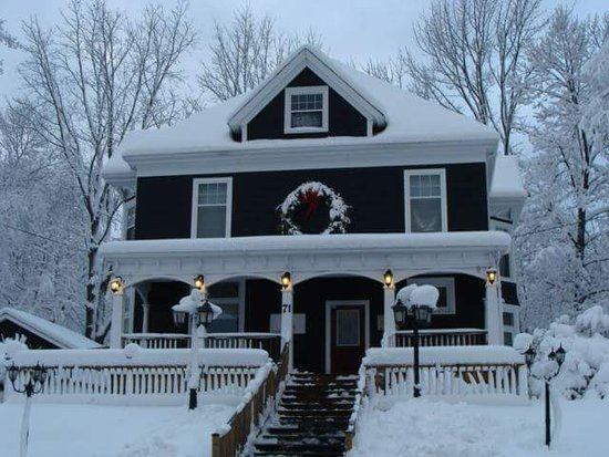 New Glasgow, Canada: Winter time at Hebel's Restaurant