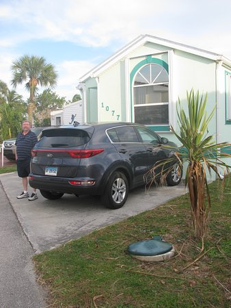 Jensen Beach, FL: from the outside and parking
