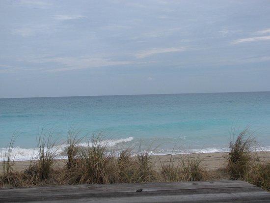 Jensen Beach, FL: view from across the street
