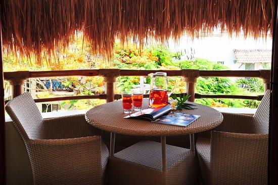 Maya Villa Condo Hotel & Beach Club: Perfect space to enjoy at Condo 403 with city view