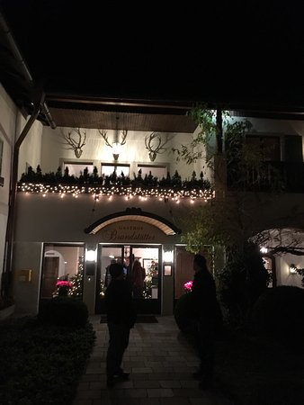 Gasthof Brandstätter: Gasthof at night :) Michelin Star too :)