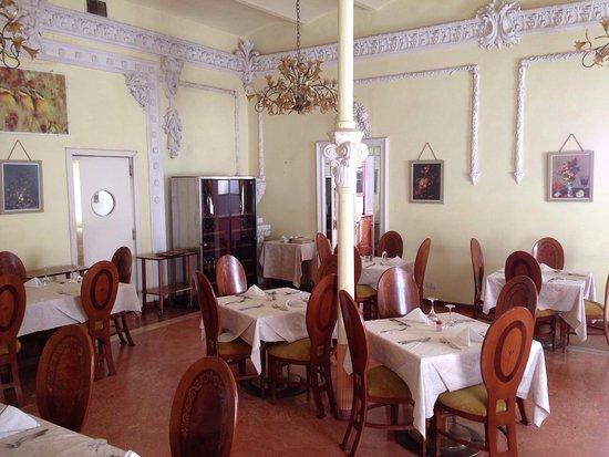Stanza e sala da pranzo bild fr n albergo italia asmara tripadvisor - Stanze da pranzo ...
