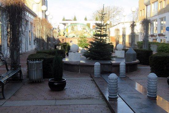 Hjoerring, Denmark: Fontæne uden vand i november