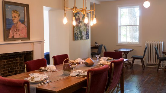 Kingston, NY: Dining room where we serve our three-course breakfast