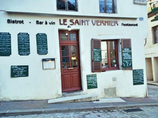Semur-en-Auxois, França: Le Saint Vernier