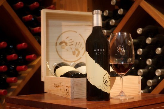 Marananga, Australia: Visit the Bakehouse Cellar and discover a range of back-vintage releases
