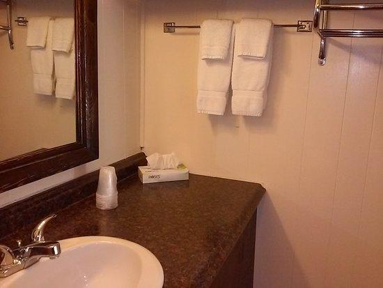 Hillsdale, NY: Vanity Area
