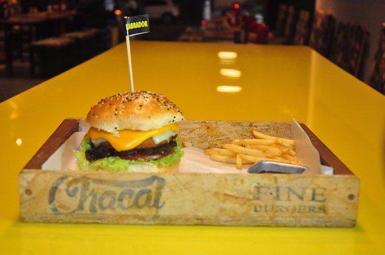011 - BOXER: fotografía de Chacal Fine Burgers, Belo