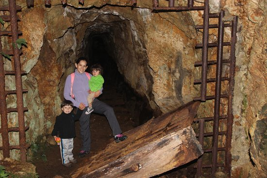 Parque Nacional La Tigra: boca de mina
