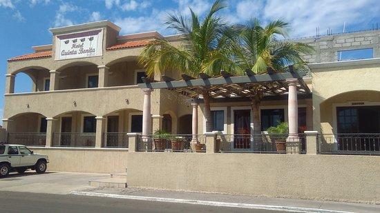 Quinta Bonita Hotel & Suites