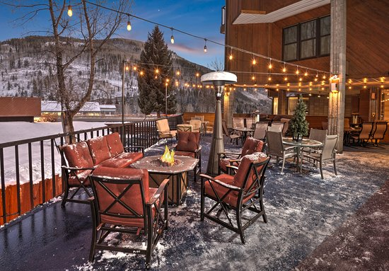 Vail Run Resort: East End Deck BBQ area with Fire Pit and heater - Winter