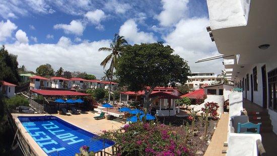 Hotel Fiesta: Es la vista al salir de la habitación.