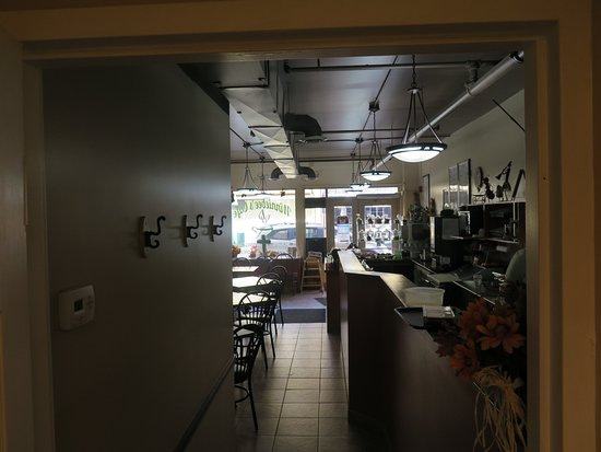 Brockville, Kanada: Food prep and dining area