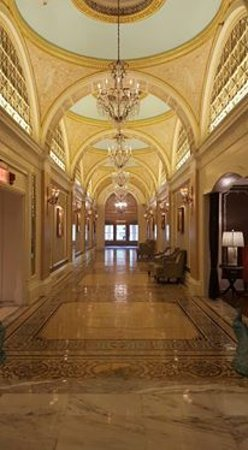 Fairmont Copley Plaza, Boston: Hallway leading out to St James Ave