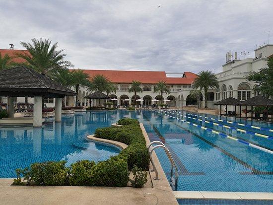 TPC Kuala Lumpur: The Beautiful And Clean Swimming Pool For A Good Swim.