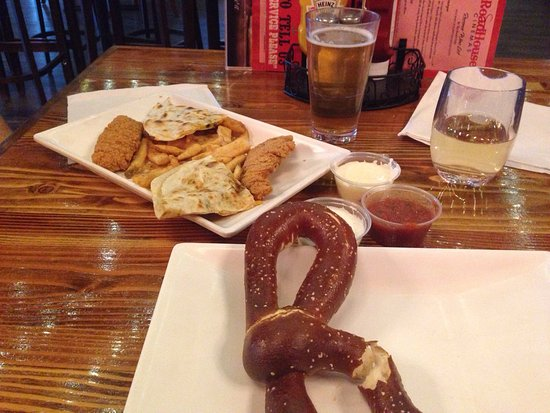Happy hour is the deal here review of roadhouse cinema for Mt lemmon cabin rentals pet friendly