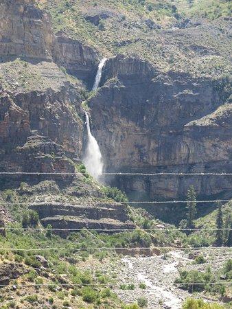 San José de Maipo, Chile: Caidas de agua en el camino