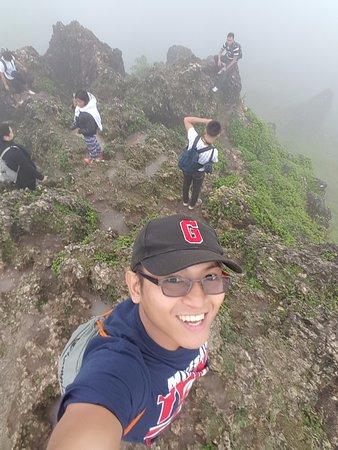 Dalaguete, الفلبين: This is taken at the peak. Very foggy.