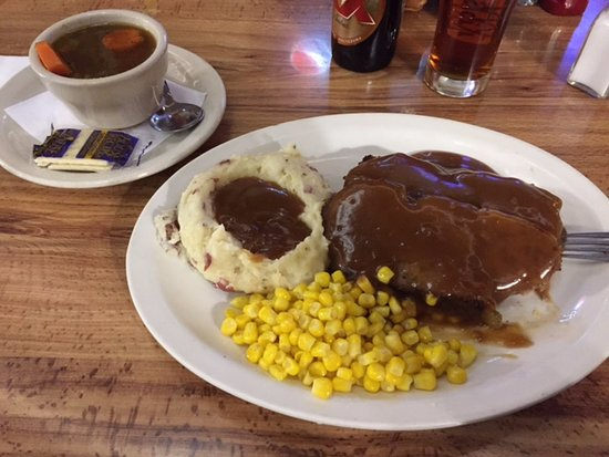 Benson, AZ: My meatloaf dinner served with soup or salad, I had the soup