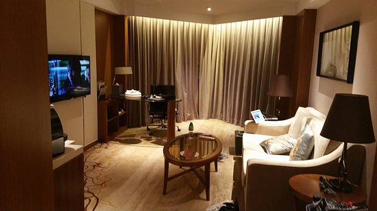 Shantou, Çin: A comfortable living room with another TV