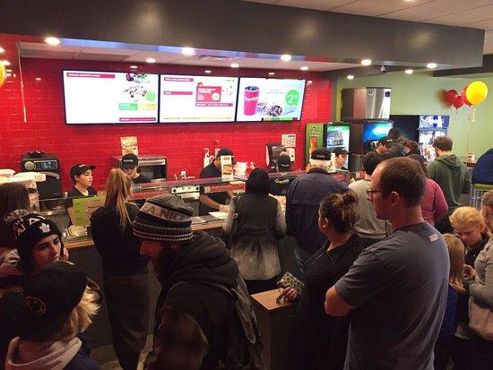 Τζορτζτάουν, Καναδάς: Decent Customer Serving Area.