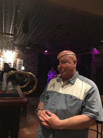 Benicia, CA: Mr Pirate... aarrrgh!!