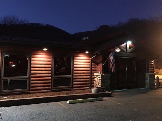 Banner Elk, NC: The Pedalin' Pig BBQ restaurant
