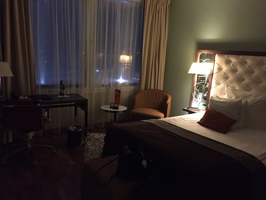 Arlandastad, Suecia: Konferensplan 13, rum samt reception, alla lika smakfullt inredda. Trevlig personal mm