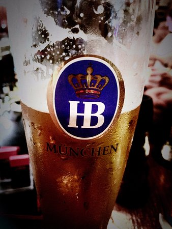 Jiangmen, Chine : Ice cold HB München Beer