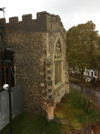 Baldock, UK: キングルーム14号室からの眺め。
