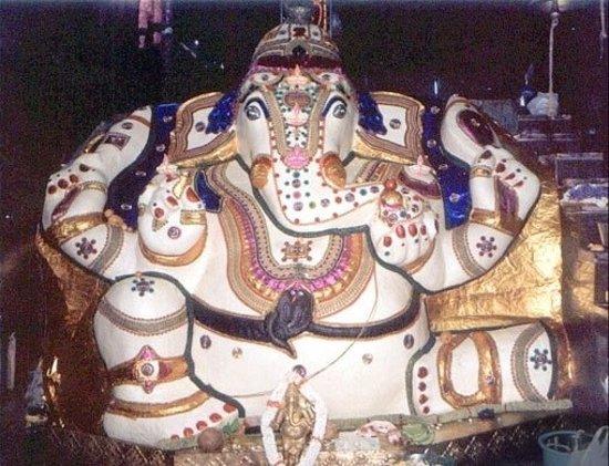 Dodda Ganapathi Temple: idol