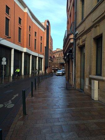 Royal Wilson: улица на которой отель