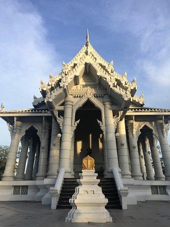 Pak Nam, Ταϊλάνδη: Rückseite des Tempels