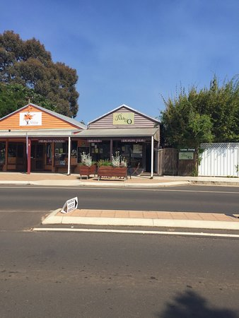 Nannup, Australia: Looking at Pickle on the right