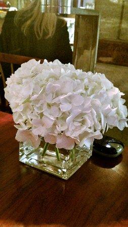 Blue Duck Tavern: Fresh Flowers