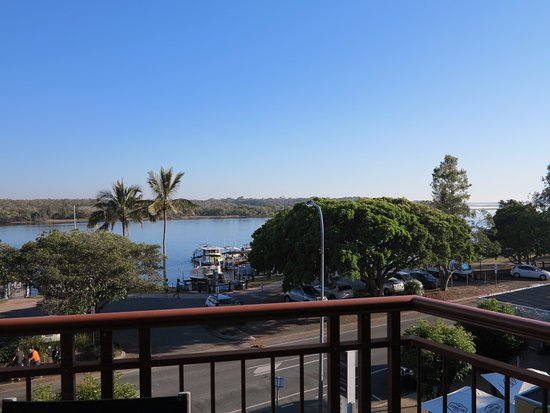 Noosaville, Αυστραλία: The view from our apartment. We loved sitting on the balcony for our meals.