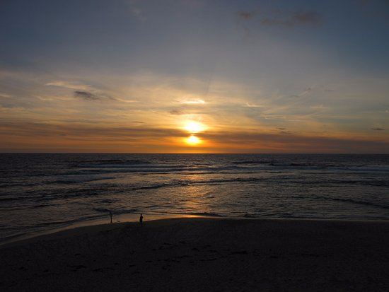 Prevelly, Australia: Two on the beach watching the sun go down