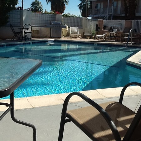The New Palm Springs Inn