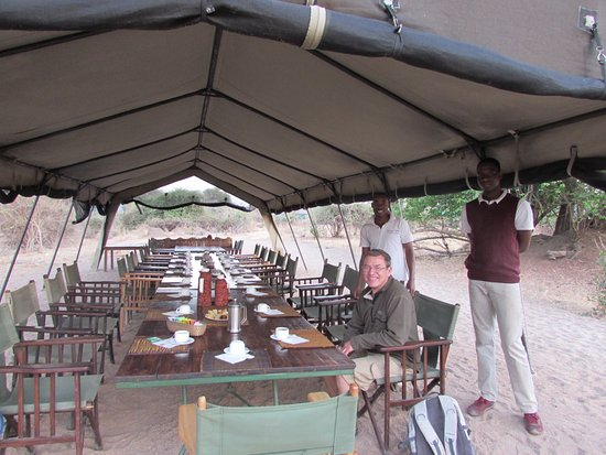 Ruaha National Park, Tanzania: Early morning coffee and cake before we set out for the day