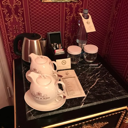 Alchymist Nosticova Palace: Coffee and tea facilities